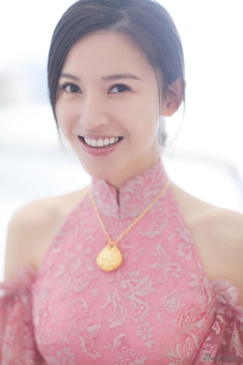 杨子姗出嫁吴中天低调迎亲 粉色中式礼服俏美十足 娱乐八卦 图8