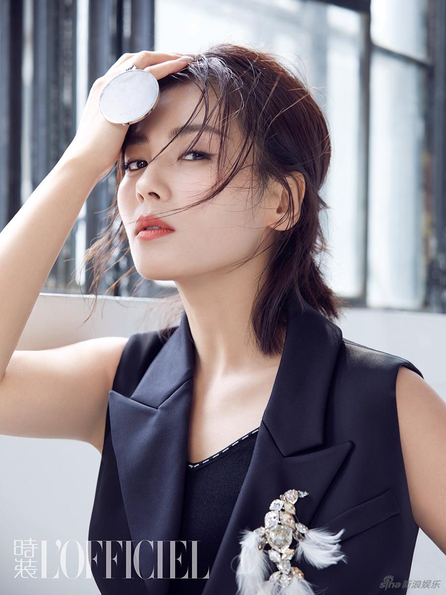 刘涛击剑帅气温婉两相宜 飒爽红唇演绎都市摩登新女性 风格偶像 图9