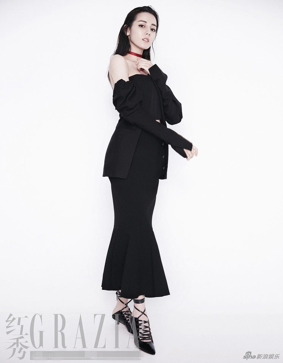 迪丽热巴变身怪力少女 时尚封面大片淡雅中不失亮点的妆容 风格偶像 图2