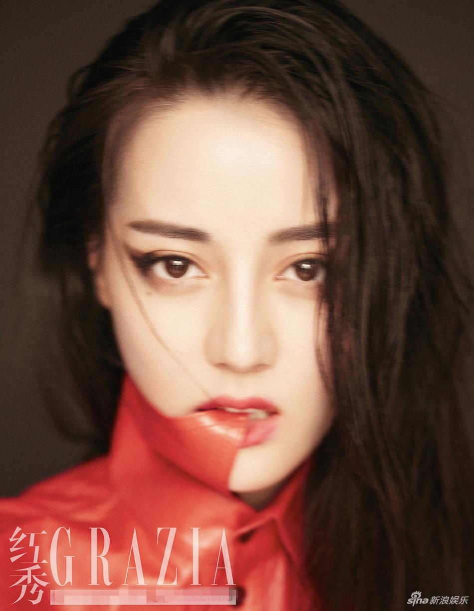 迪丽热巴变身怪力少女 时尚封面大片淡雅中不失亮点的妆容 风格偶像 图5
