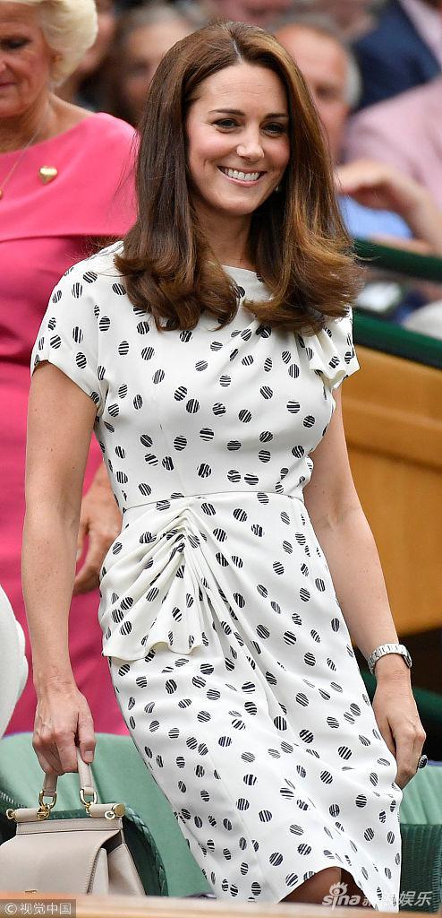 凯特王妃和梅根观战温网 妯娌俩有说有笑