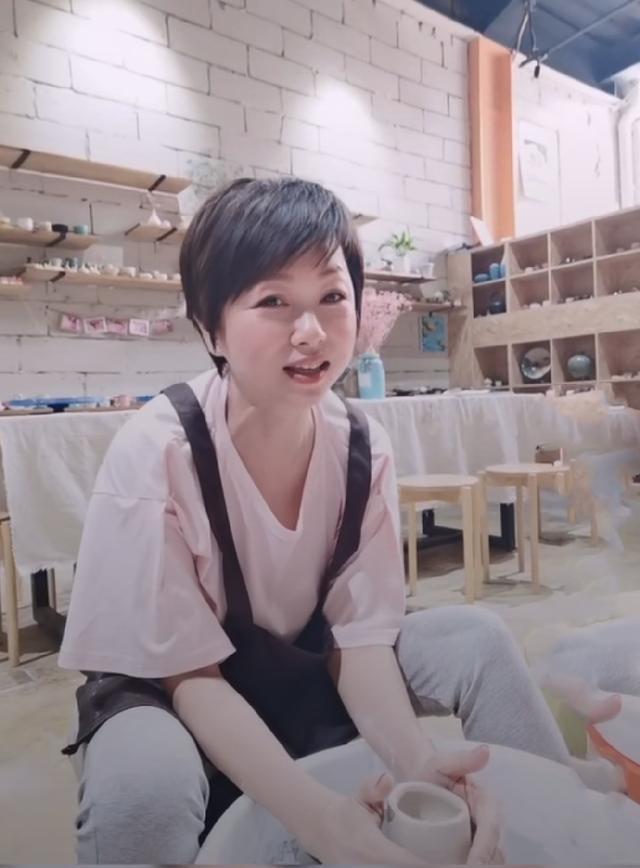 """组图:""""建宁公主""""刘玉翠近照曝光!53岁保养得当至今未婚"""