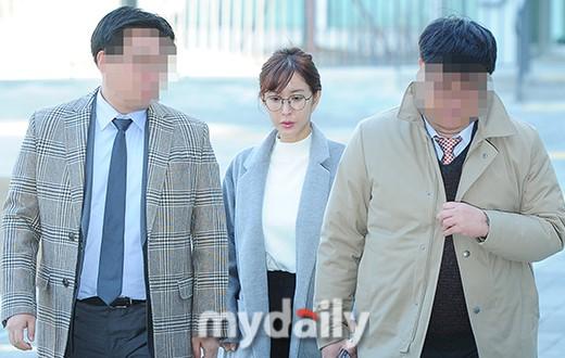 韩女歌手SHOO欠赌债超200万 名下房产被申请冻结