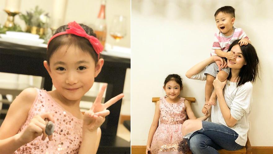 李安琪与一双儿女玩耍互动 对镜卖萌表情搞怪温馨有爱