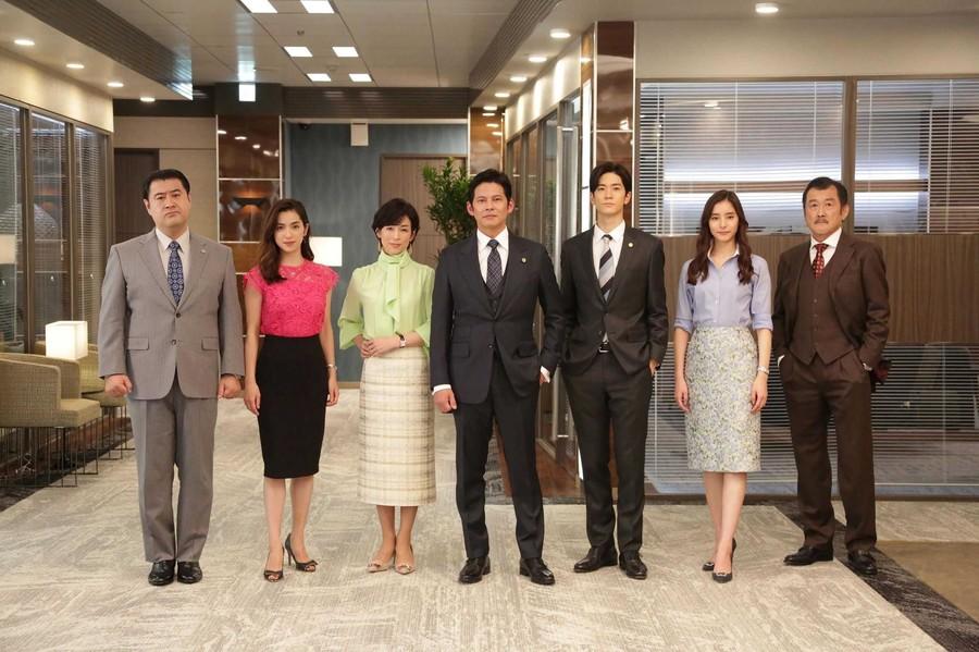织田裕二《金装律师》暂停拍摄 首集如期播出
