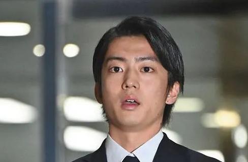 伊藤健太郎被曝虐猫劈腿吃软饭 事务所出面辟谣