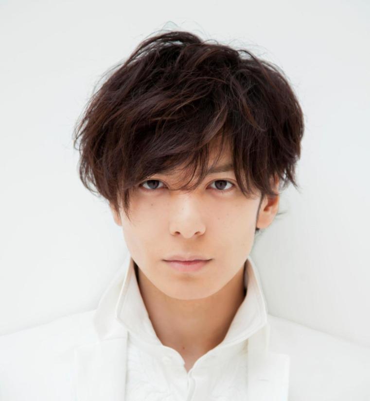 生田斗真弟弟宣读哥哥结婚喜讯 称感觉不可思议