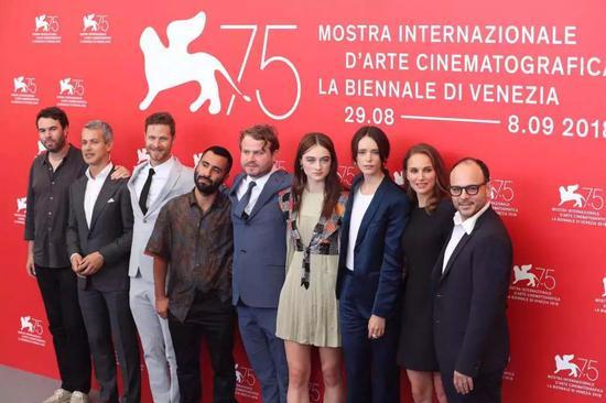 《光之声》剧组在威尼斯电影节