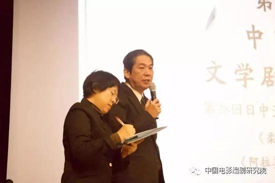 图为日本电影剧作家协会理事长加藤正人先生