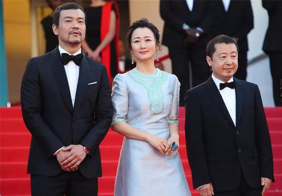 《江湖儿女》戛纳首映红毯上的廖凡、赵涛、贾樟柯