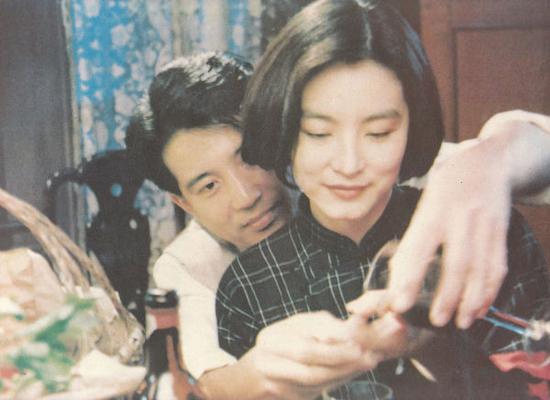 秦漢與林青霞曾合作主演電影《滾滾紅塵》等多部作品。
