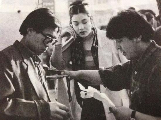 《小武》片场的贾樟柯和王宏伟