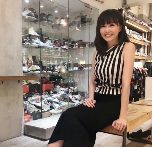 香港女歌手吴若希
