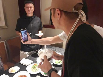 """极限三傻为罗志祥庆生 """"双黄""""缺席隔空送祝福"""