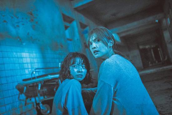杨丞琳拍恐怖片被吓到 向许玮甯借佛珠缓解不适