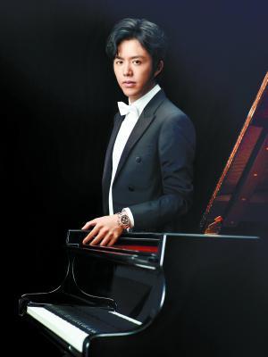 李云迪月底到广州演出,挑战边弹奏边指挥。