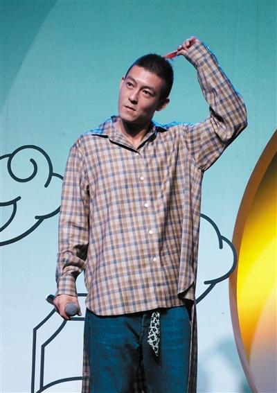 陈冠希发新专辑 称希望可以好好做一个爸爸
