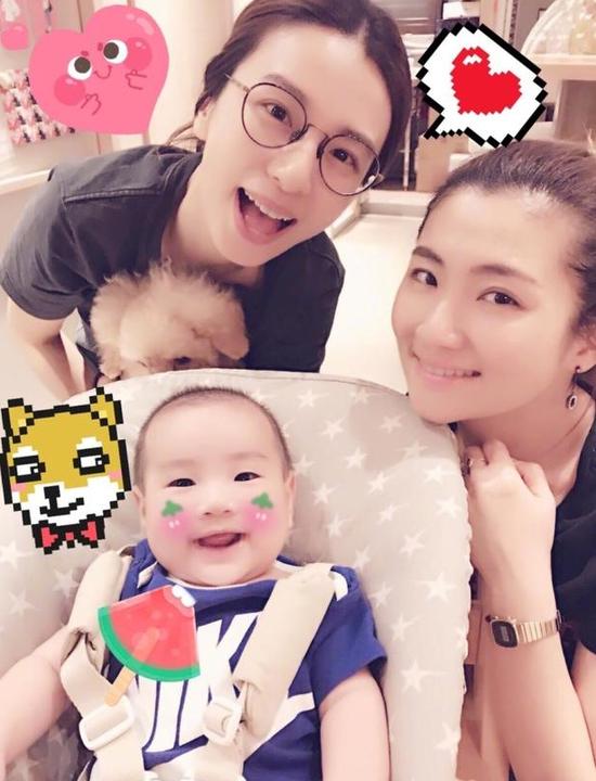 Ella晒SHE姐妹与儿子合照 笑容灿烂画面温馨(图)