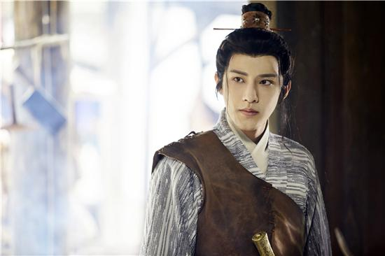 """男主黃嘉鑫在《大夢聊齋之嬰寧》中的""""王子服""""造型"""