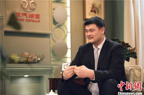 """《朗读者》第二季回归""""初心"""" 姚明追忆职业生涯"""