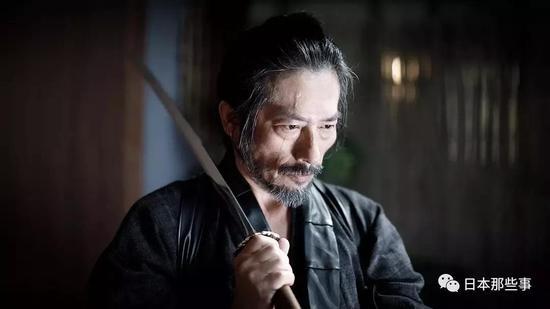 混好莱坞的日裔演员还得提提渡边谦。