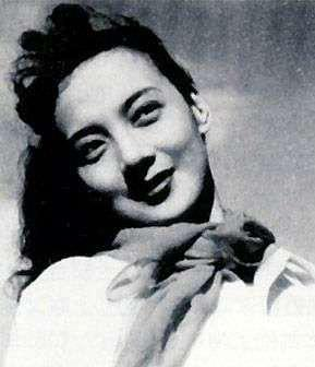 演员王丹凤去世生平回顾 小燕子穿花衣让人难忘怀