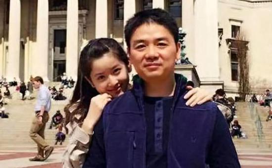 作为事件中最无辜的人却连带被攻击和调侃,不知身为人夫的刘强东作何感想。