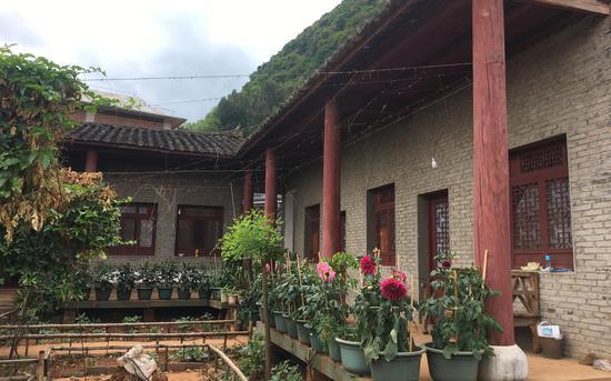 村裏唯一一處沒被拆的民居。新京報記者 張羽 攝
