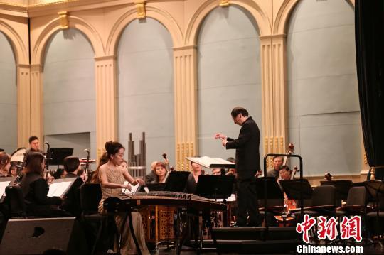 古筝协奏曲《枫桥夜泊》。上海文广民族乐团 供图