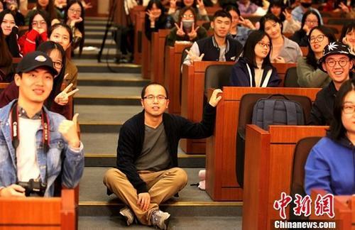 对话台湾学子 导演叶君说《我在故宫》是职业剧