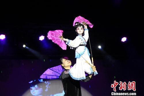 中国木偶在曼谷表演。中新社记者 赵婧楠 摄