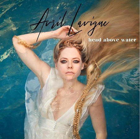 艾薇儿带着新作品《Head Above Water》复出。
