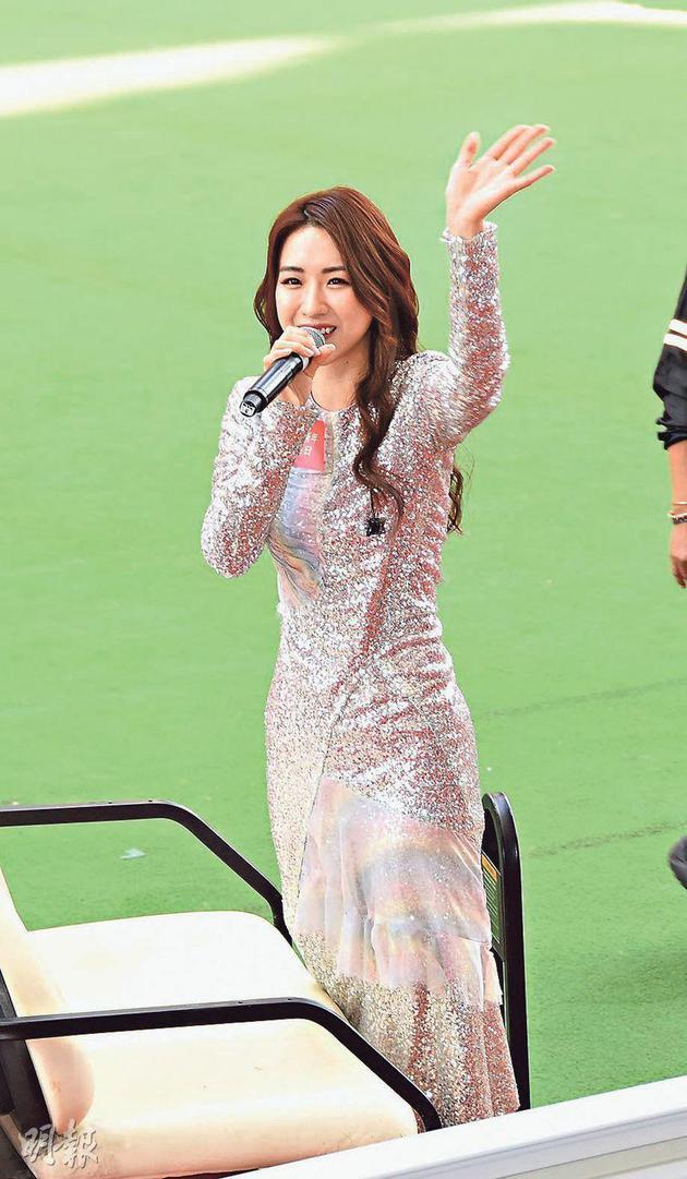 菊梓喬希望新一年能舉行個人演唱會。