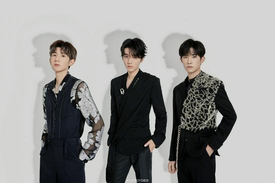 兄弟情szd!王俊凯易烊千玺帮王源宣传新节目