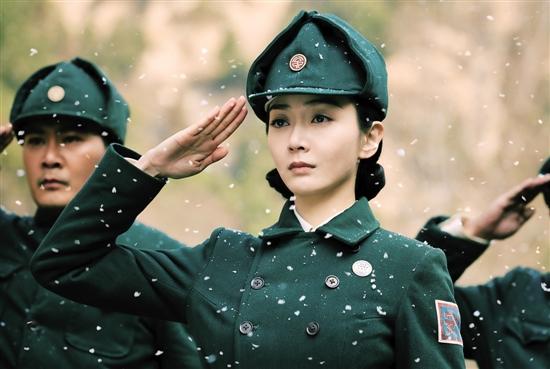 身著警服的潘之琳英姿颯爽