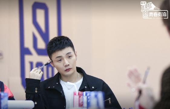李荣浩连续两季担任节目导师