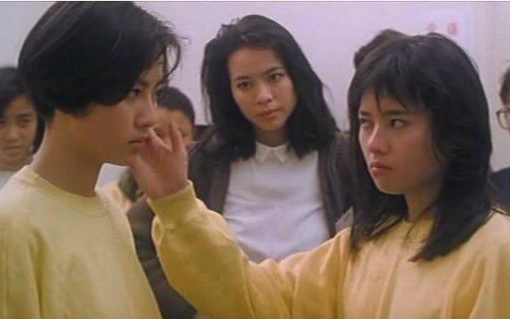 袁洁莹(左)与李丽珍年轻时频繁一首配相符