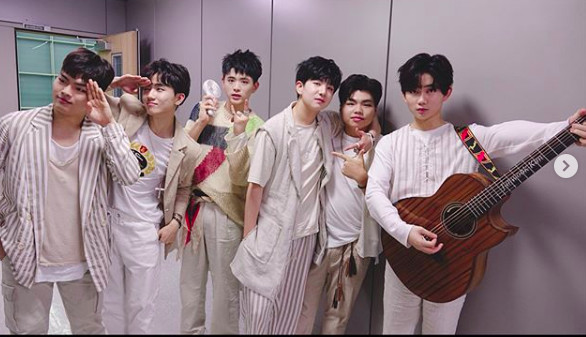 韩男团The EastLight