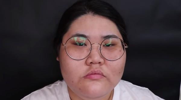 裴琳娜素颜被网友抨击。