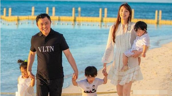 40岁吴佩慈宣布怀第四胎:下周满3个月 是女宝宝