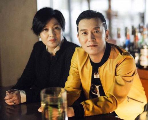 李咏妻子哈文朋友圈头像