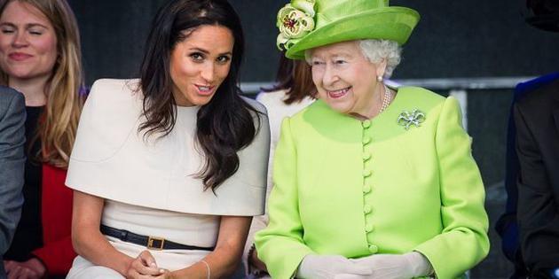 梅根王妃与伊丽莎白女王。