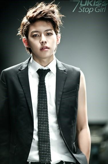 25岁韩男星申东浩离婚因性格差异 暂不重返演艺圈