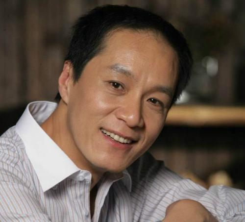 冯远征拟任北京人艺副院长 试用期为一年