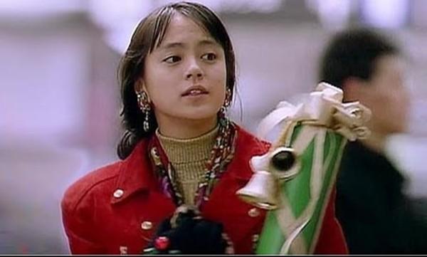 牧濑里穗是国民美少女出身,年轻风采迷倒不少男女粉丝。