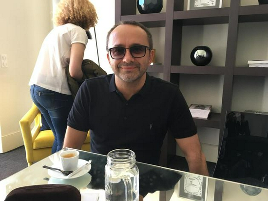 俄罗斯名导萨金塞夫患新冠重症 肺部损伤近90%