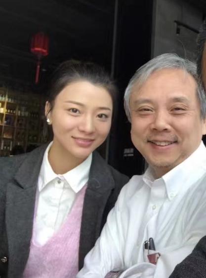 著名导演陈嘉上娶小30岁嫩妻