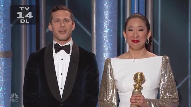 吴珊卓直接拿着奖杯上台主持,喜悦之情溢于言表 。