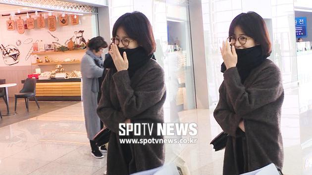 宋慧乔出席公开活动时被拍到未戴婚戒