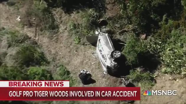 警方称伍兹车祸恐因超速 撞树翻滚多圈生命无忧